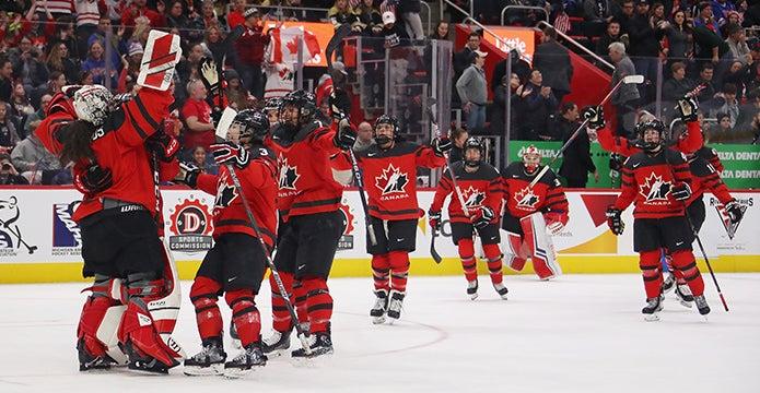 womens-hockey-313-thumbnail.jpg